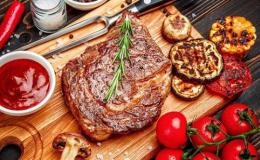 Мясо в рационе беременной: какие сорта полезны и как готовить?