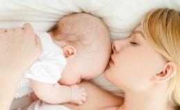 Как кормить малыша грудью ночью? Варианты для мамы