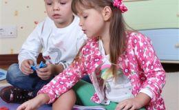 Как научить ребенка общаться с незнакомыми людьми, если есть страх