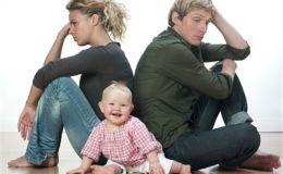 Борьба за любовь ребенка мамы и папы. Мнение психологов
