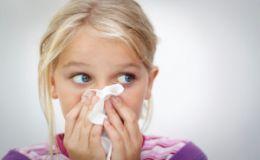 Детские влажные салфетки вызывают аллергию у детей
