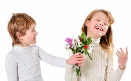 Детские подарки на 8 марта для первой пассии