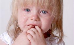 Ребенок плачет при расставании в детском саду. Что делать?