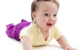 Как правильно сделать малышу первую прическу?