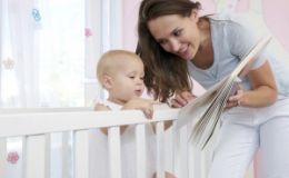Читать книжки ребенку нужно с первых месяцев жизни