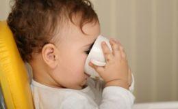 Почему у детей возникает аллергия на коровье молоко?