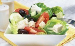 Летний салат с маслинами. Рецепт