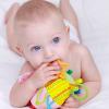 Развивающие игрушки до года: 9 причин купить их для крохи