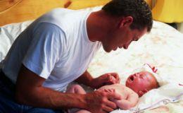 Колики у новорожденного — как распознать и устранить причины возникновения