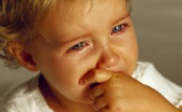 Приступы истерики у ребенка — как вести себя родителям?