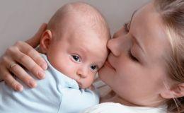 Как выбрать молочную смесь ребенку: 5 самых важных критериев