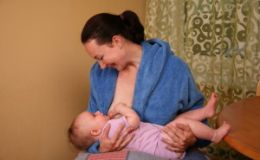 Ребенок в первые месяцы активно набирает вес — нормально ли это?