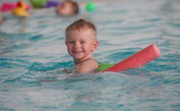 Можно ли во время простуды водить ребенка в бассейн?