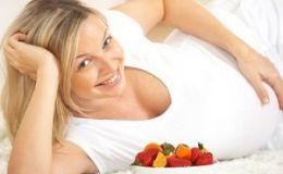 Нужны ли витамины для беременных летом?