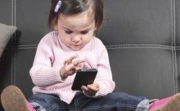 Исследование: гаджеты негативно влияют на развитие маленьких детей