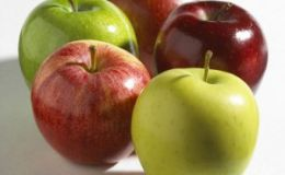 Ученые: яблоки не защищают от болезней