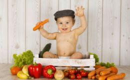 Первый прикорм — как понять, что ребенок к нему готов?