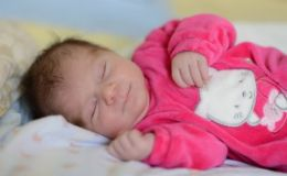 Высокая температура у новорожденного — вариант нормы?