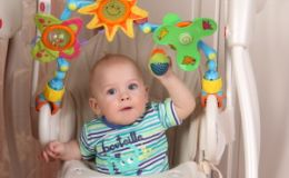 Как выбрать погремушку для младенца?