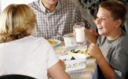 Отношения с близкими — как отстоять принципы здорового питания и не испортить отношения с родными и друзьями