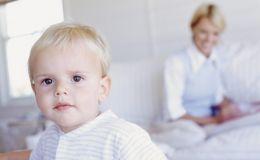 Ученые: аутизм у ребенка зависит от возраста отца