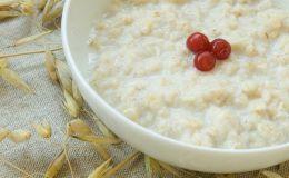 Первый прикорм — рисовая каша