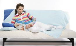 Беременность и приметы: как правильно себя вести будущей маме