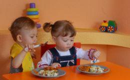 Почему дети становятся привередливыми в еде?