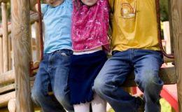 Обезопасим детские площадки вместе