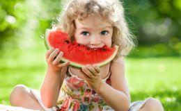 С какого возраста можно давать арбуз ребенку