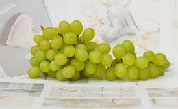 Когда и как можно давать виноград детям: 3 секрета для правильного выбора