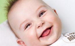 Почему младенцы улыбаются?