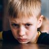 Как защитить ребенка от негатива в реальном мире: советы психолога