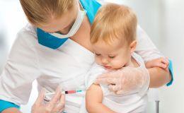 Насколько безопасна прививка от полиомиелита