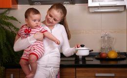 Как правильно питаться кормящей маме?