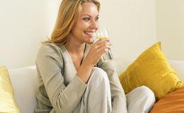 Что пить кормящей маме для хорошей лактации