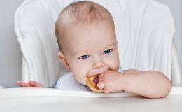 Как облегчить ребенку прорезывание зубов?