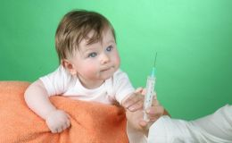 Детские прививки. Куда колоть безопаснее всего?