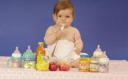 Первый прикорм для грудного ребенка: важные нюансы