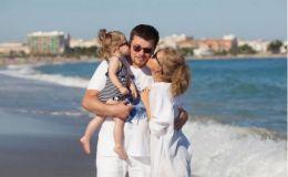 Кристина Асмус отправилась с семьей в Грецию