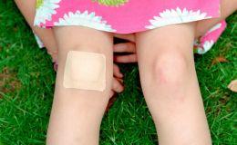 Как правильно обрабатывать ссадины и царапины у детей