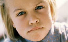 Ребенок скрипит зубами во сне: чем это опасно и что делать?