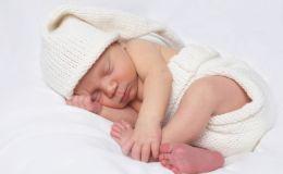 Проблемы с животиком: как помочь младенцу