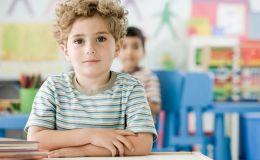 Как предупредить нарушение осанки у ребенка — советы от ортопеда