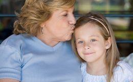 Помощь бабушки: как не испортить отношения с властной бабушкой