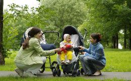 Как выбрать прогулочную коляску: смотрите на колеса!
