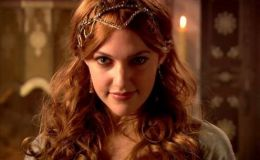 Звезда «Великолепного века» Мерьем Узерли показала лицо дочери