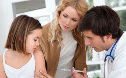 Прививка от дифтерии и кори: Комаровский ответил на главные вопросы родителей