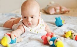 ТОП-10 обязательных детских игрушек от рождения и до года!