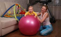 Гимнастика на фитболе: почему она так полезна для малышей